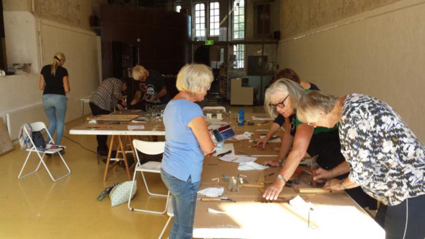 Geslaagde workshop: Ontmoeting met glas-in-lood – Maja de Haan